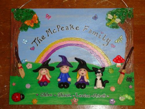 WITCH & WIZARD FAMILY SIGN PLAQUE PEOPLE PETS CAT DOG BIRD ANY PHRASING 4 Main Characters Garden Th